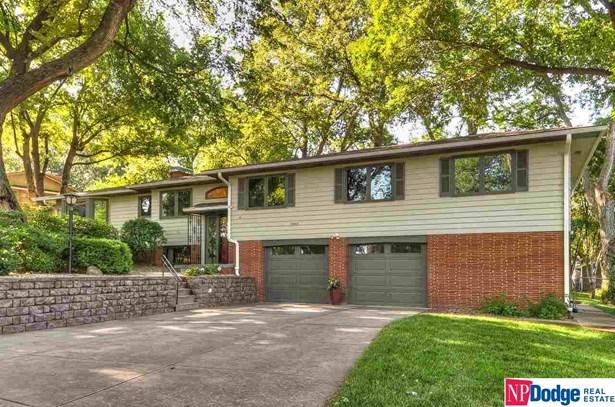 Split Entry, Single Family Residence - Omaha, NE