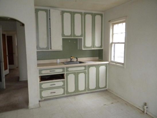 Raised Ranch, Single Family Residence - OMAHA, NE (photo 2)