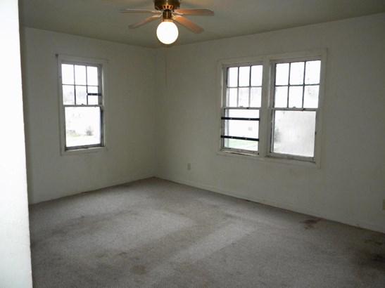 Raised Ranch, Single Family Residence - OMAHA, NE (photo 5)