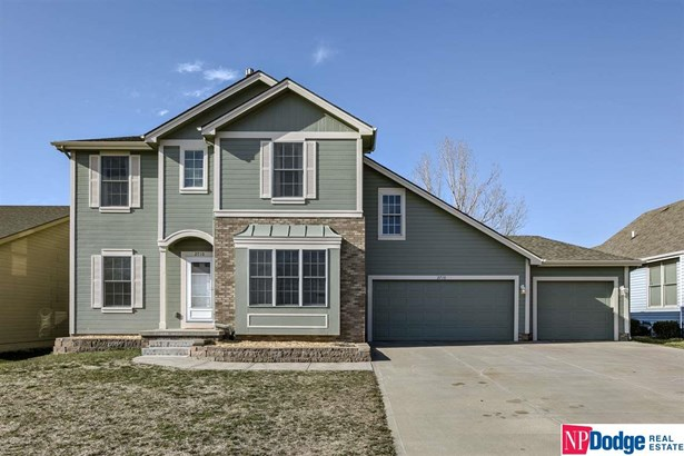 Detached Housing, 2 Story - Bellevue, NE (photo 5)