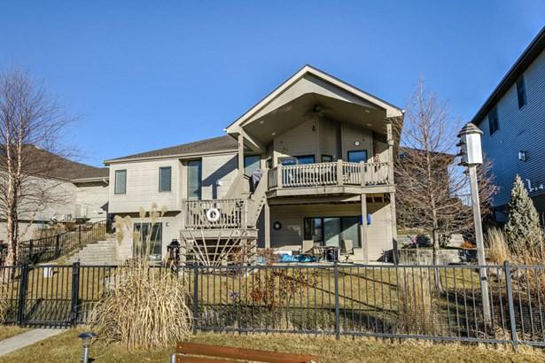 Single Family Residence, Ranch - CARTER LAKE, IA (photo 1)