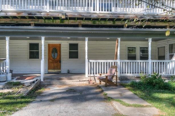 Single Family Residence, 2 Story - CRESCENT, IA (photo 2)