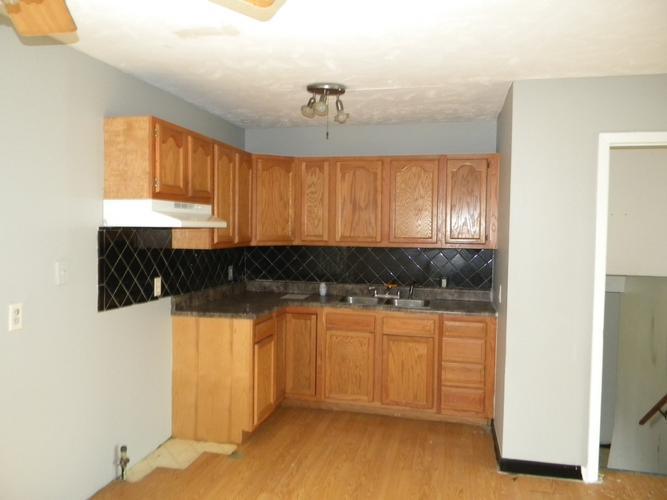 Single Family Residence, Multi-Level - BELLEVUE, NE (photo 4)