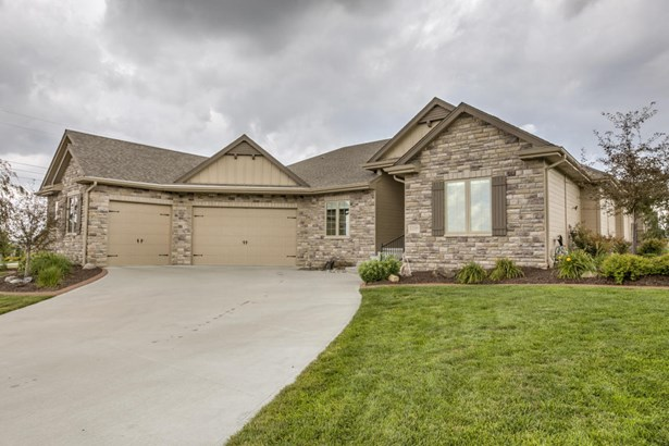 Single Family Residence, Ranch - PAPILLION, NE (photo 2)