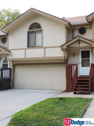 Attached Housing, Split Entry - Bellevue, NE (photo 1)
