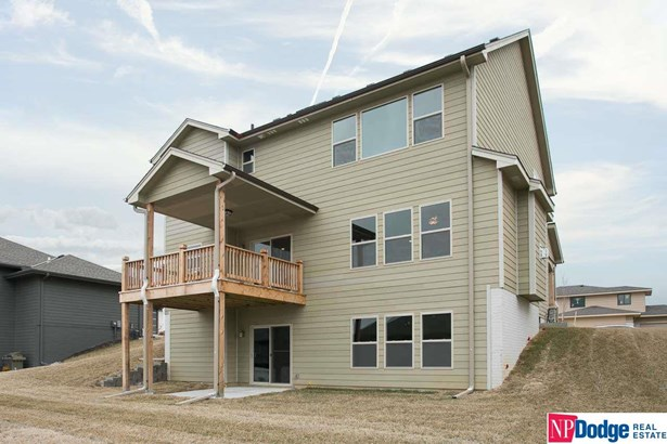 Detached Housing, 2 Story - Council Bluffs, IA (photo 4)