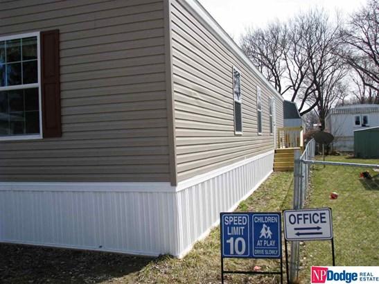 Mobile Home, Detached Housing - Blair, NE (photo 2)