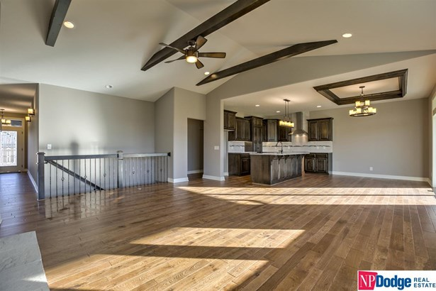 Detached Housing, Ranch - Bennington, NE (photo 4)