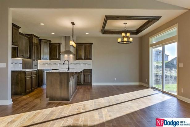 Detached Housing, Ranch - Bennington, NE (photo 5)