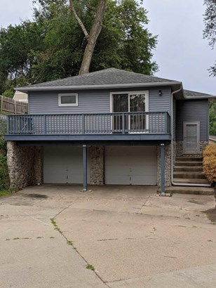Split Entry, Single Family Residence - COUNCIL BLUFFS, IA