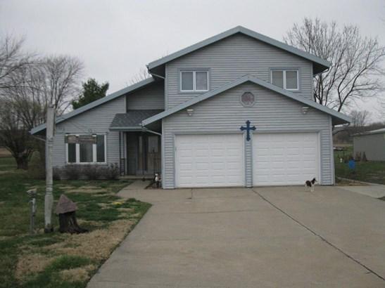 Single Family Residence, 2 Story - SIDNEY, IA (photo 1)