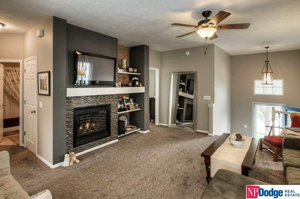 Attached Housing, Split Entry - Omaha, NE (photo 5)