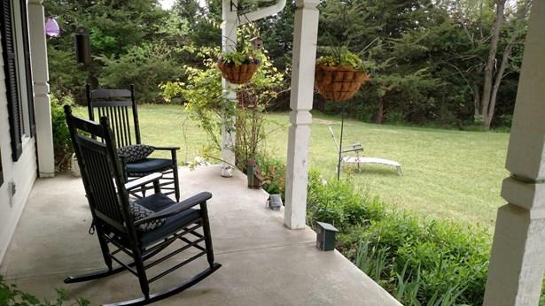 Single Family Residence, 2 Story - CRESCENT, IA (photo 4)