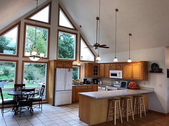 Single Family Residence, Ranch - MISSOURI VALLEY, IA (photo 4)