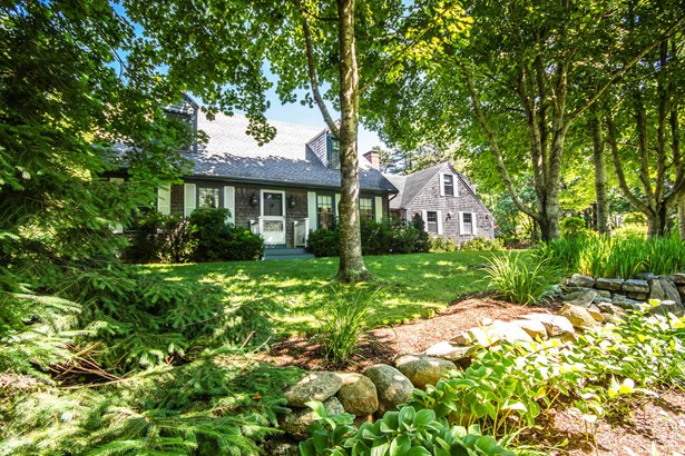 Single Family Residence, Cape - Edgartown, MA