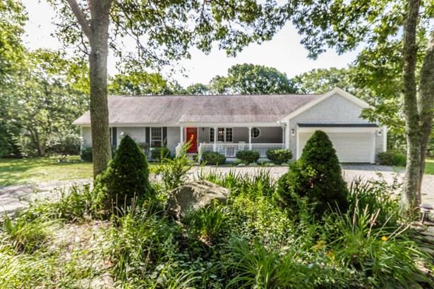 Single Family Residence, Ranch - Oak Bluffs, MA (photo 1)