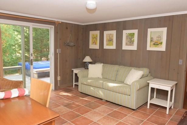 Single Family Residence, Contemporary - Oak Bluffs, MA (photo 1)