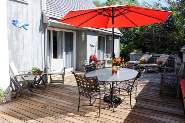Single Family Residence, Contemporary - Oak Bluffs, MA (photo 4)