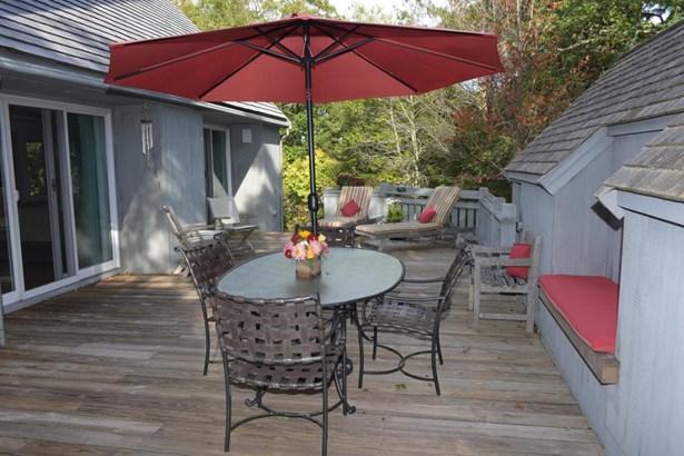 Single Family Residence, Contemporary - Oak Bluffs, MA (photo 5)