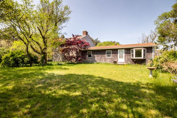 Farm House, Single Family Residence - Oak Bluffs, MA