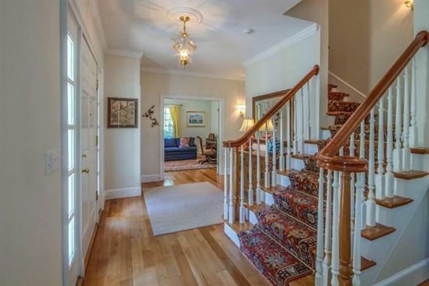 Single Family Residence, Colonial - Tisbury, MA (photo 5)