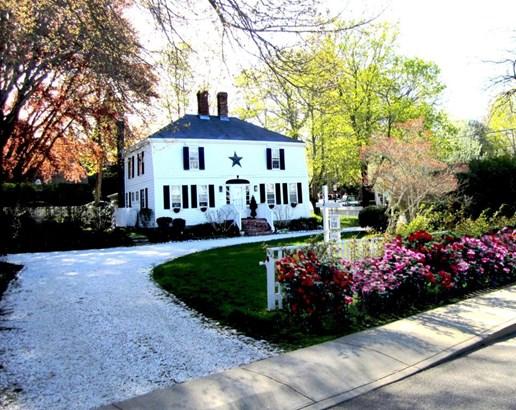 Single Family Residence, Cape - Tisbury, MA (photo 2)