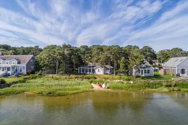 Single Family Residence, Cottage - Edgartown, MA (photo 2)