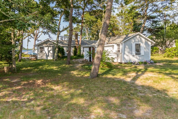 Single Family Residence, Cottage - Edgartown, MA (photo 4)