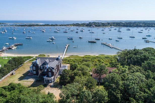 Single Family Residence, Colonial - Edgartown, MA (photo 3)