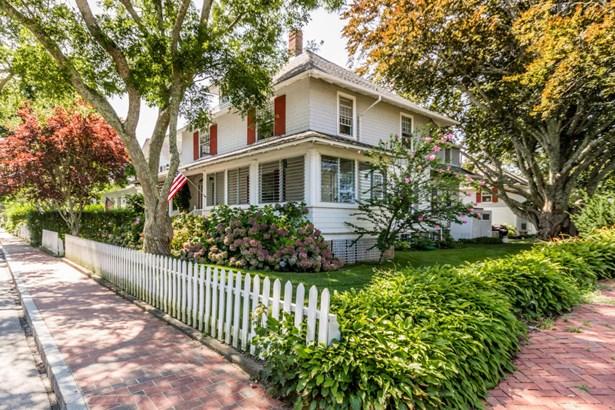 Single Family Residence - Edgartown, MA (photo 2)
