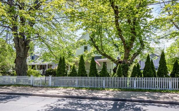 Antique, Single Family Residence - Edgartown, MA
