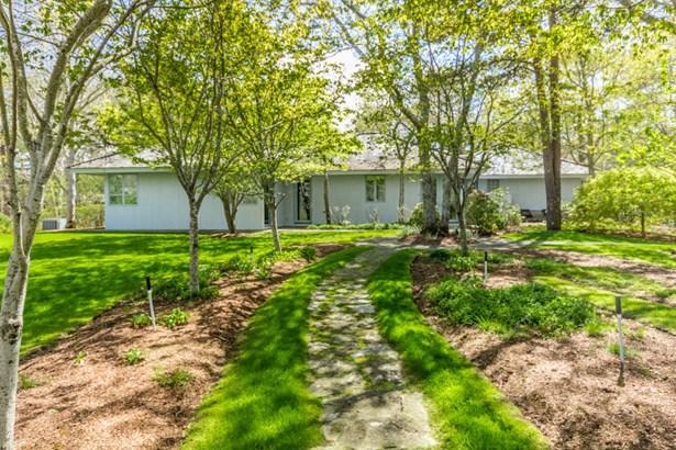 Single Family Residence, Contemporary - Tisbury, MA (photo 2)