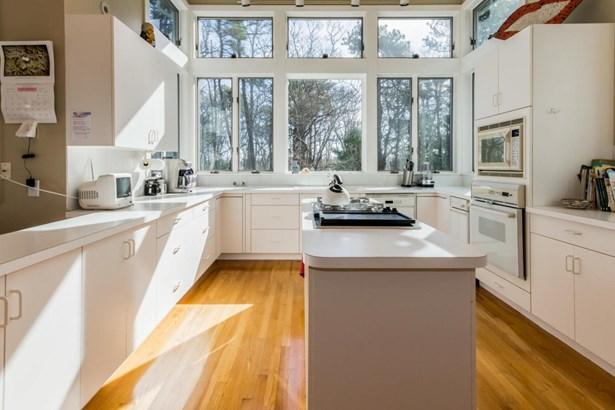 Single Family Residence, Contemporary - Tisbury, MA (photo 3)