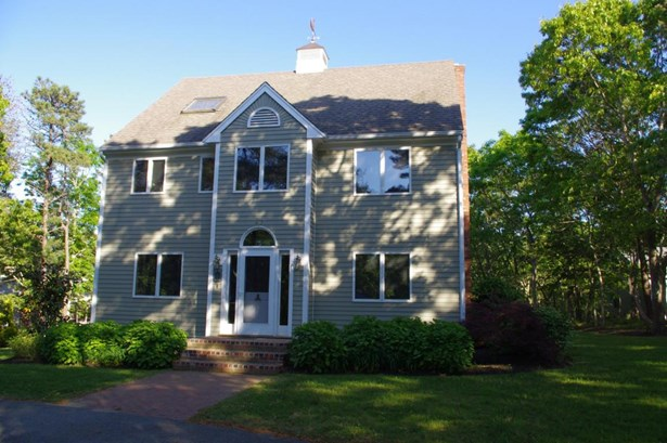 Single Family Residence, Contemporary - Oak Bluffs, MA (photo 3)
