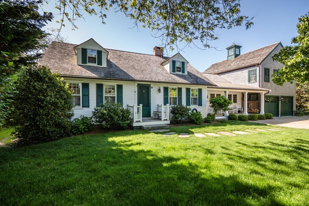 Single Family Residence, Cape - Edgartown, MA