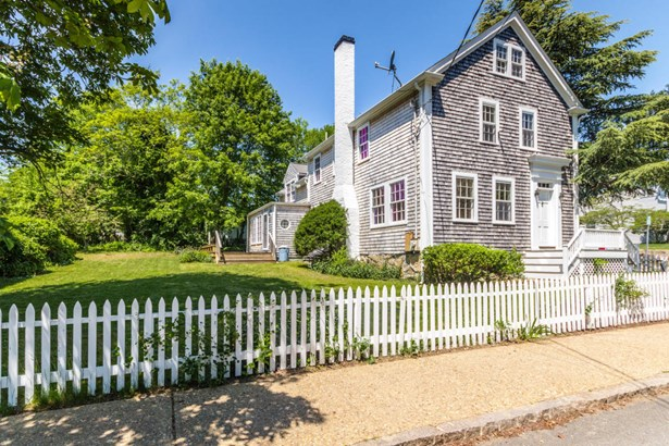 Greek Revival, Single Family Residence - Vineyard Haven, MA (photo 1)