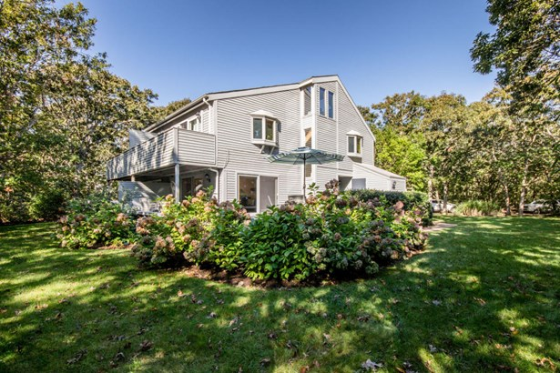 Condominium - Edgartown, MA (photo 1)