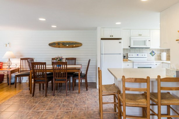 Condominium - Edgartown, MA (photo 4)