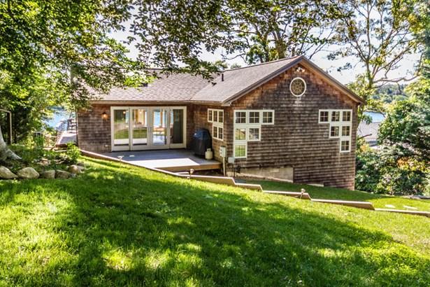 Single Family Residence, Bungalow - Tisbury, MA (photo 5)