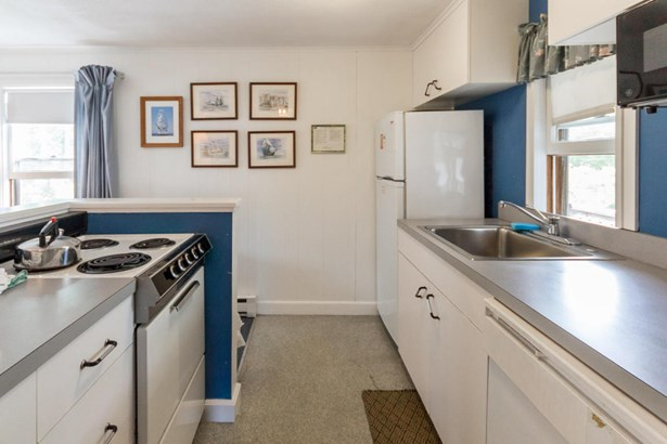 Condominium - Edgartown, MA (photo 2)