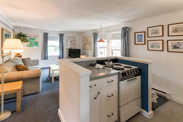Condominium - Edgartown, MA (photo 3)