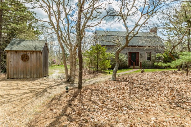 Single Family Residence, Colonial - Edgartown, MA