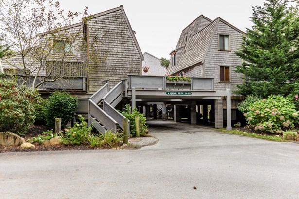 Condominium - Oak Bluffs, MA (photo 1)