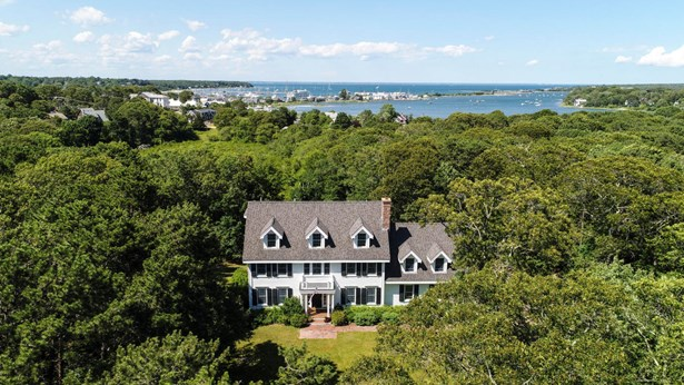 Single Family Residence, Colonial - Tisbury, MA (photo 2)