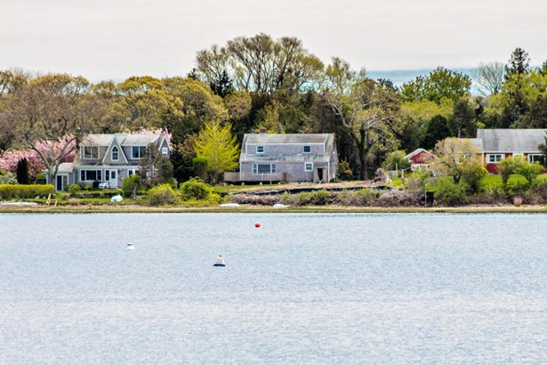 Single Family Residence, Cape - Tisbury, MA (photo 5)