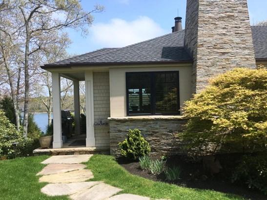 Single Family Residence, Contemporary - Vineyard Haven, MA (photo 2)