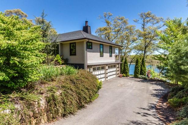 Single Family Residence, Contemporary - Vineyard Haven, MA (photo 3)