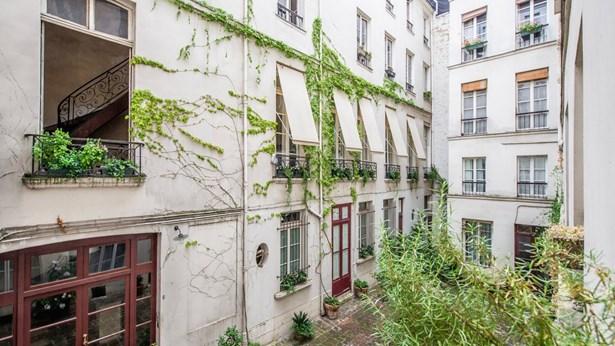 Paris 11th - FRA (photo 3)
