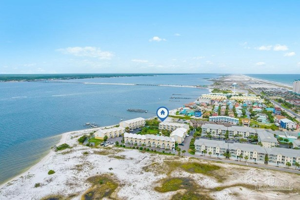 RES ATTACHED, TRADITIONAL - NAVARRE BEACH, FL