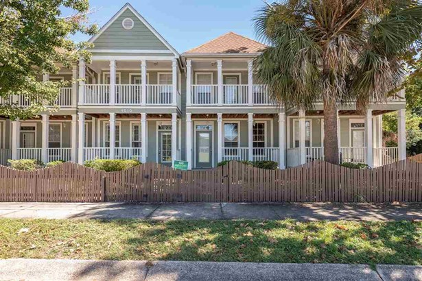 CONTEMPORARY,COTTAGE, RES ATTACHED - PENSACOLA, FL